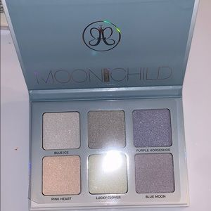 Anastasia Moon 🌚Child Glow kit